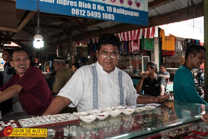 Il mercato di Kebun Seyur a Balikpapan