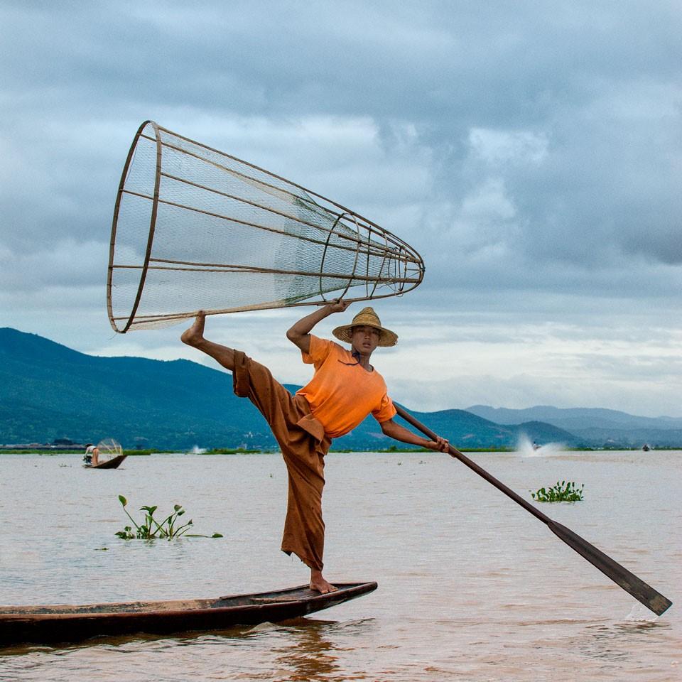 Il Myanmar a piedi scalzi