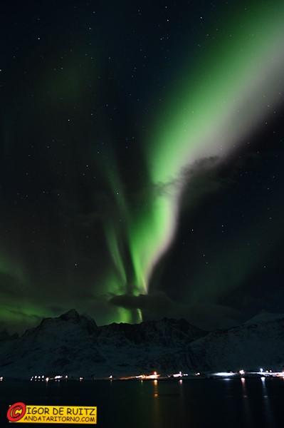 L'aurora boreale su Flakstadøya