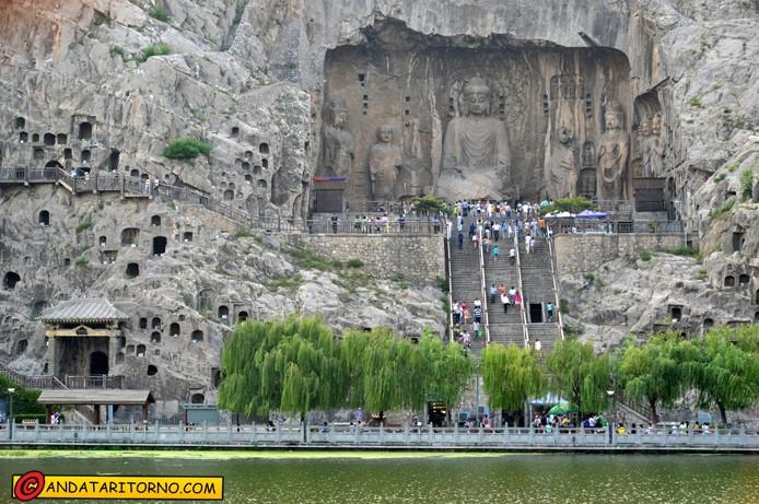La zona più scenografica del complesso delle grotte di Longmen