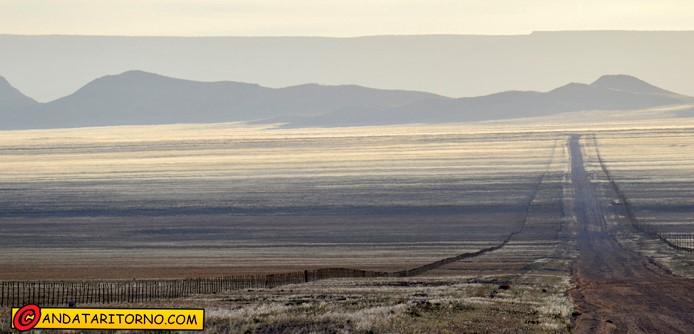 Un tratto della strada D707 in Namibia
